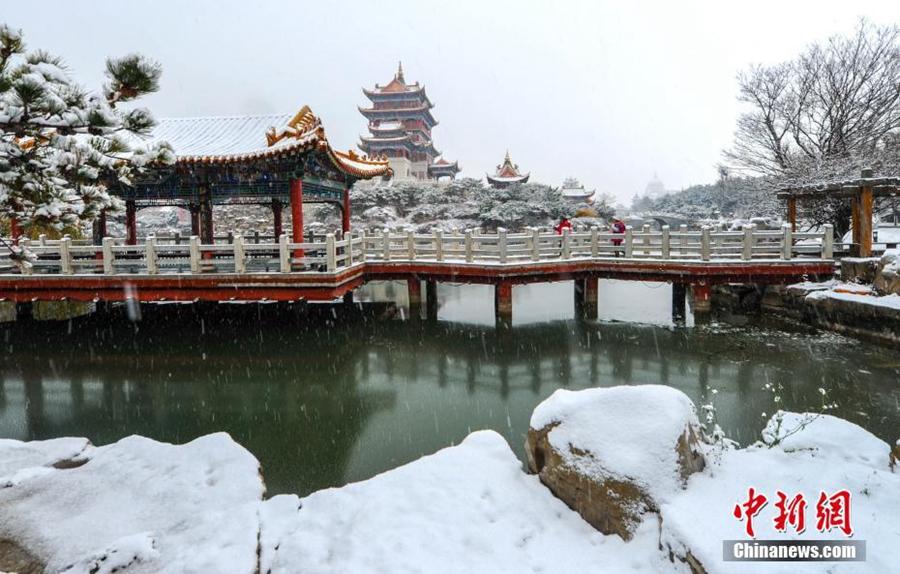 Райские пейзажи в туристическом районе Пэнлай г. Яньтай провинции Шаньдун