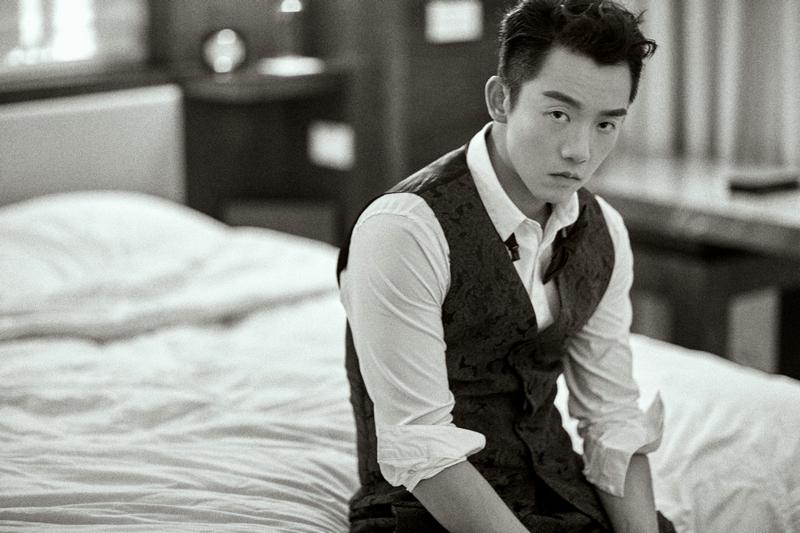 Китайский актер Чжэн Кай