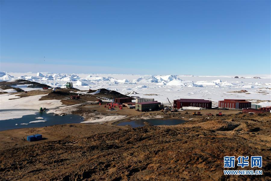 На станции «Чжуншань» на Южном полюсе тает снег