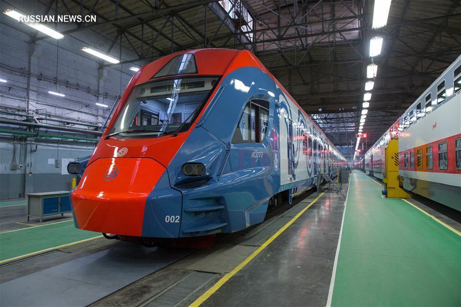 Президент России Владимир Путин 10 января прибыл в Тверь, где посетил вагоностроительный завод. В ходе визита на предприятие В.Путин заявил, что экономическая ситуация в России продолжает улучшаться.