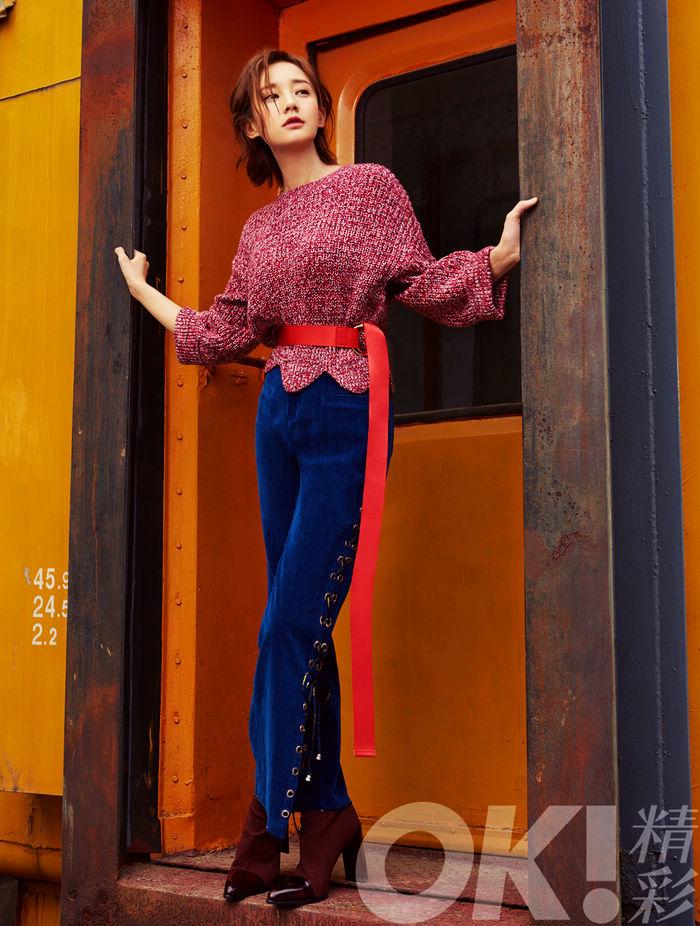 Телеактриса Ли Итун в модных фото
