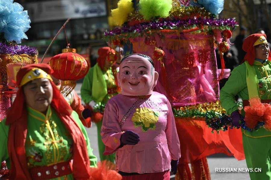 Традиционное праздничное представление шэхо в Нинся