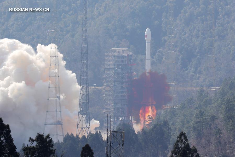 "Китай вывел на орбиту два навигационных спутника ""Бэйдоу-3"""