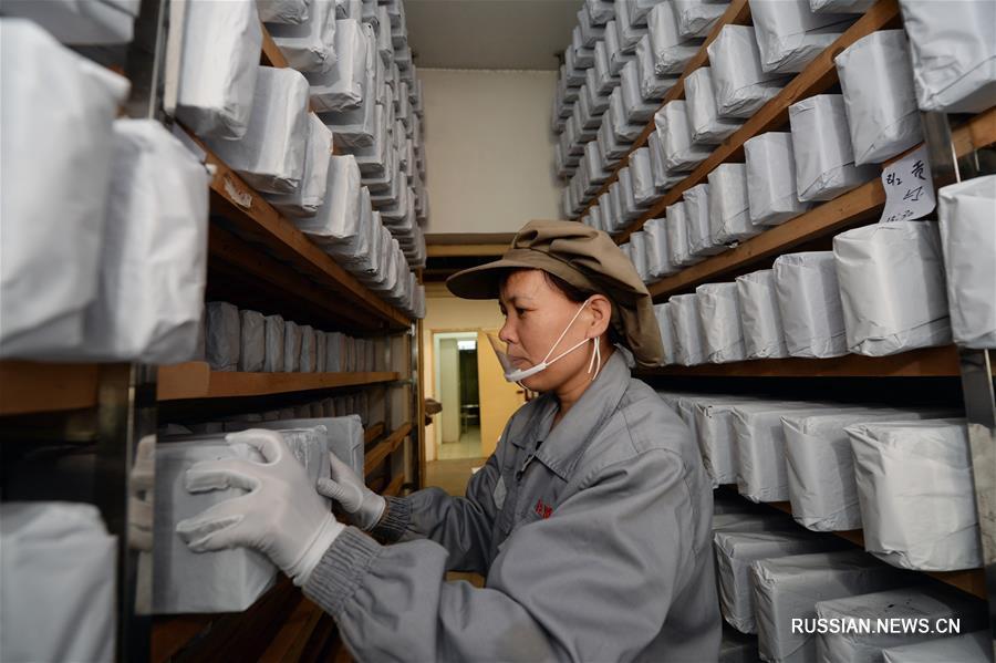 Производство прессованного чая фуча в уезде Цзинъян