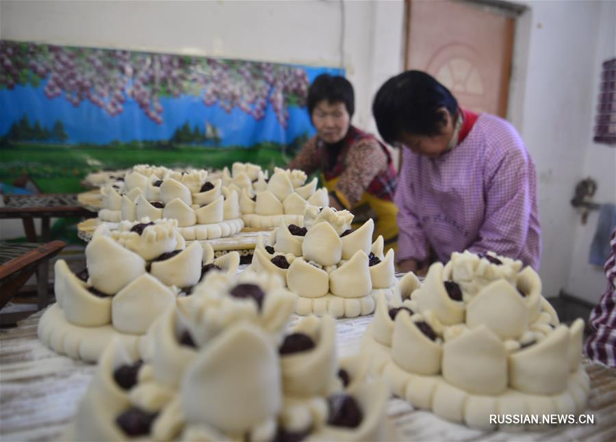 """""""Цветочные пирожные"""" к Празднику Весны на востоке Китая"""