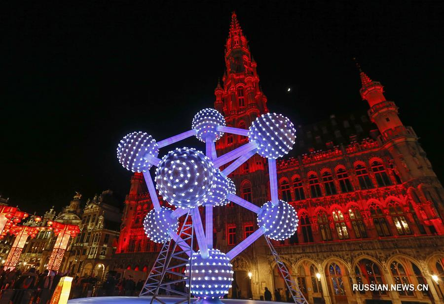 """В """"сердце Европы"""" открылась выставка китайских фонарей"""