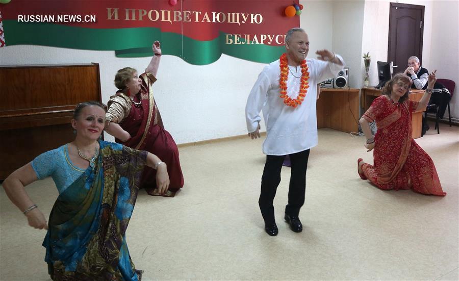 Концерт по случаю 8 марта в управлении соцобслуживания в Минске