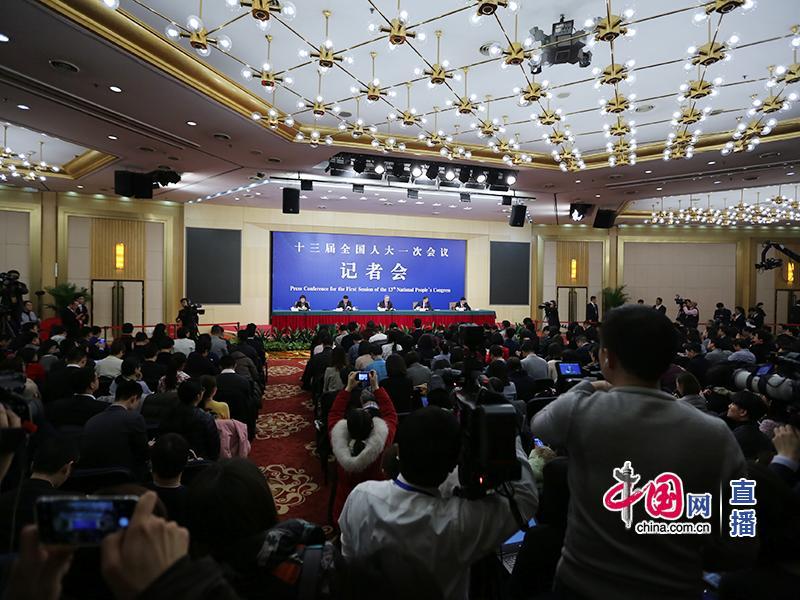 Пресс-конференция в рамках Первой сессии ВСНП 13-го созыва на тему «Реформы и развитие финансов»