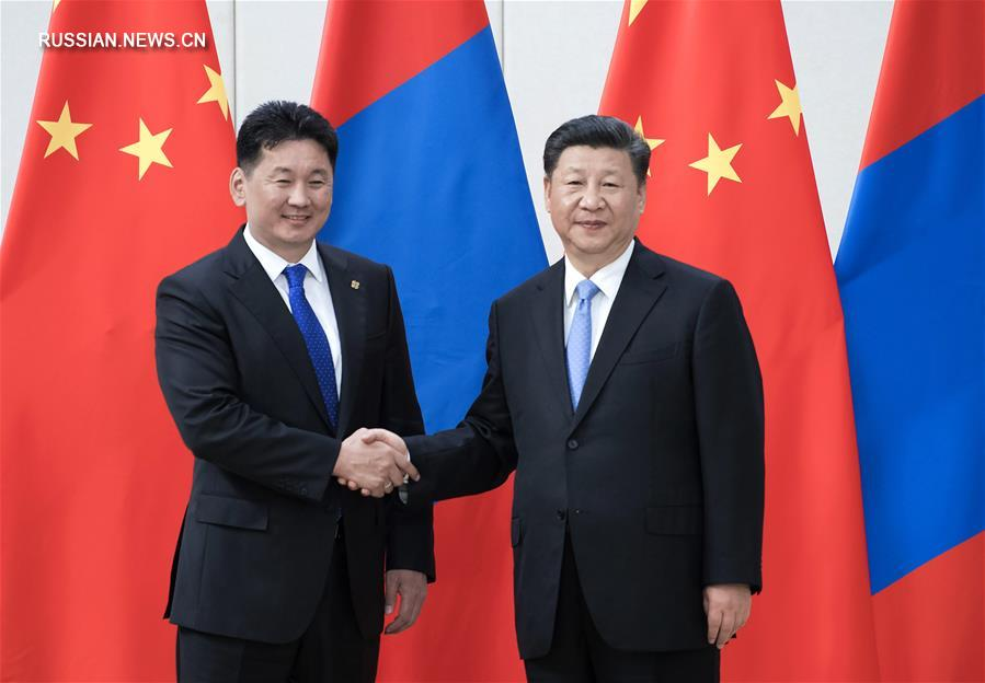 Си Цзиньпин встретился с премьер-министром Монголии Ухнаагийном Хурэлсухом