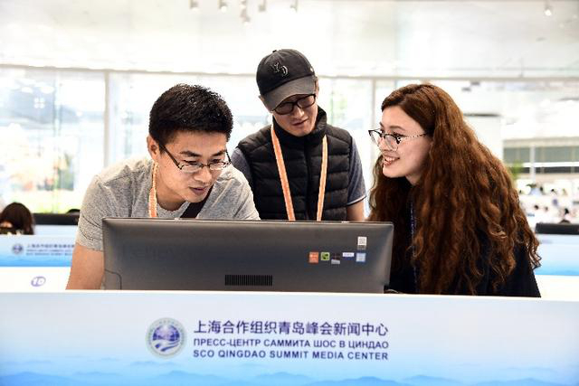 Студентка из Казахстана: я и подумать не могла, что стану волонтером на саммите ШОС в Циндао