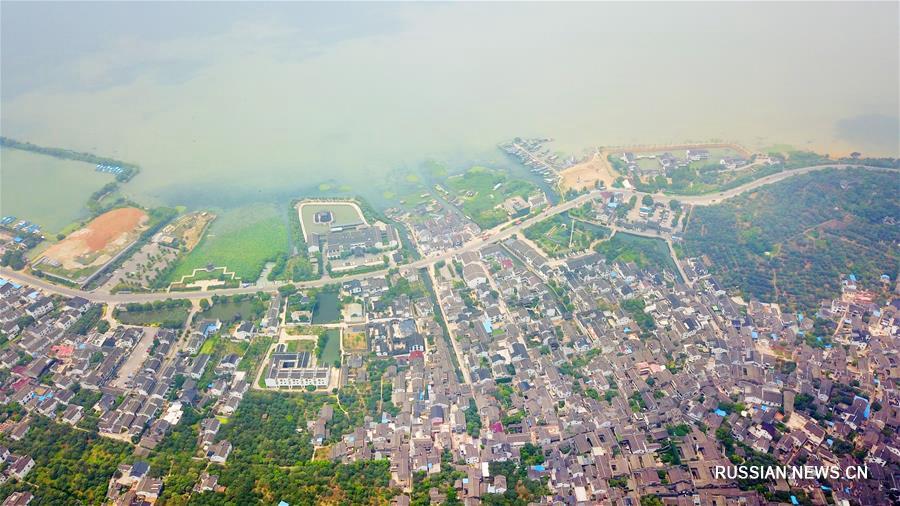 Пейзажи озера Тайхэ в городе Сучжоу с высоты птичьего полета