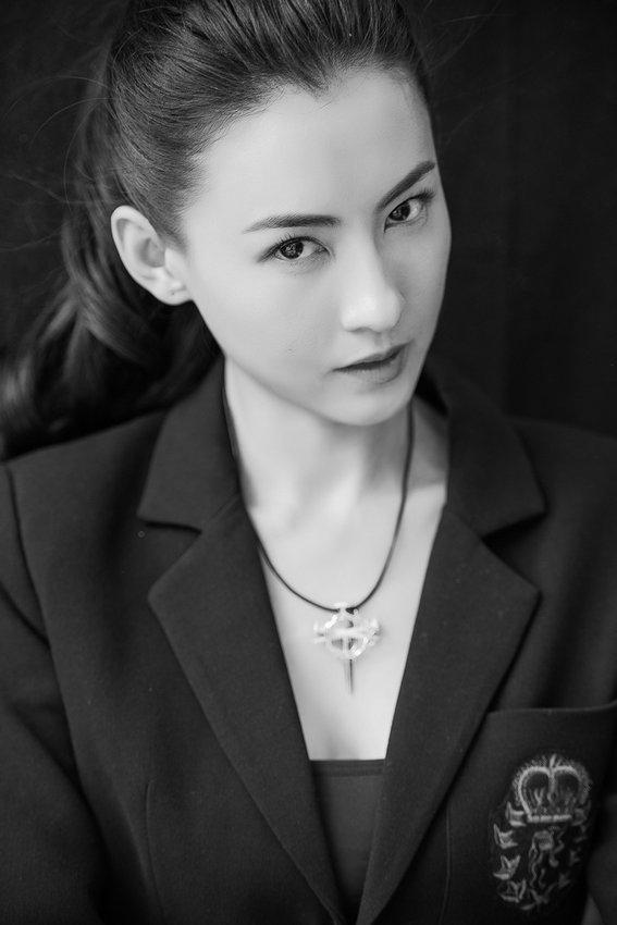 Черно-белые фотографии сянганской актрисы Сесилии Чун