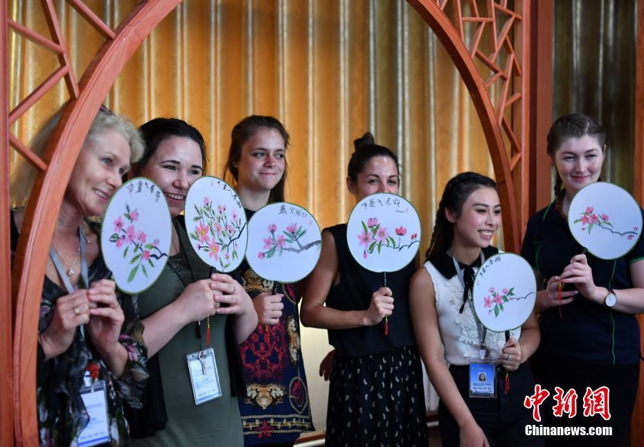 Студенты из Австралии приобщились к традиционной китайской культуре