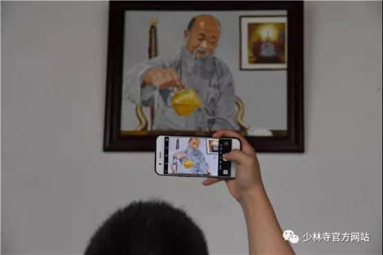 Приехавший в Шаолинь российский художник за три месяца нарисовал 22 картины с видами этого знаменитого монастыря