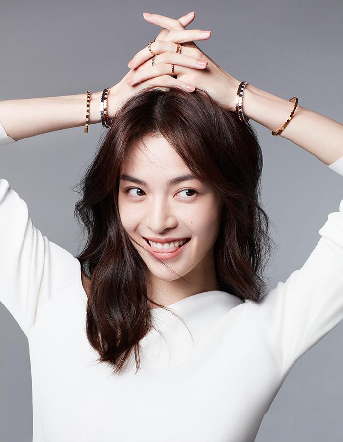 Изящная актриса Чжун Чуси