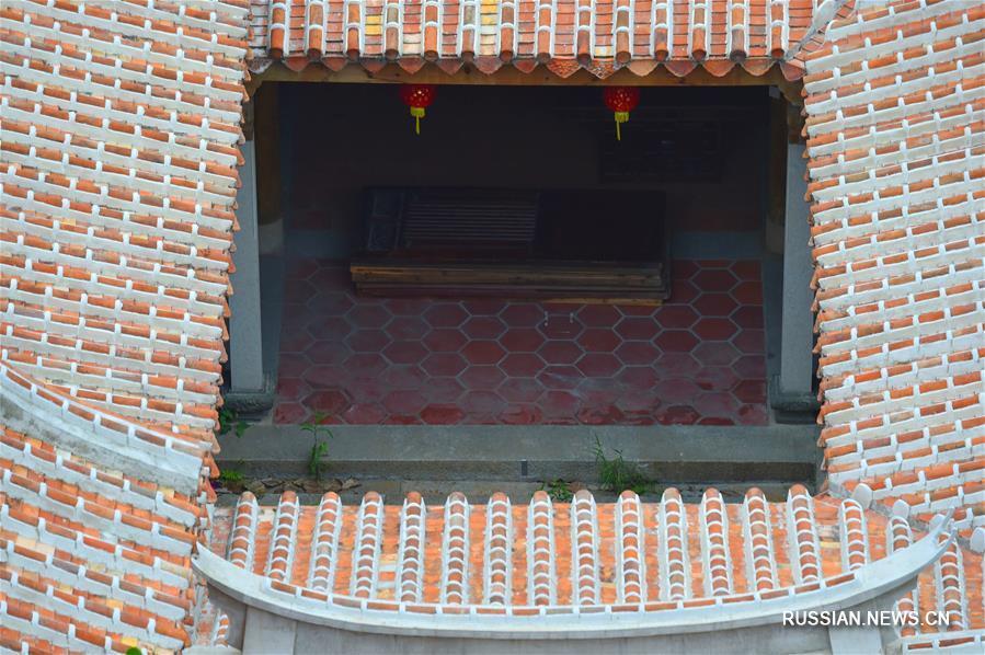 Традиционный квартал Удяньши площадью 84 тыс кв м находится в центре городского уезда Цзиньцзян провинции Фуцзянь /Юго-Восточный Китай/.