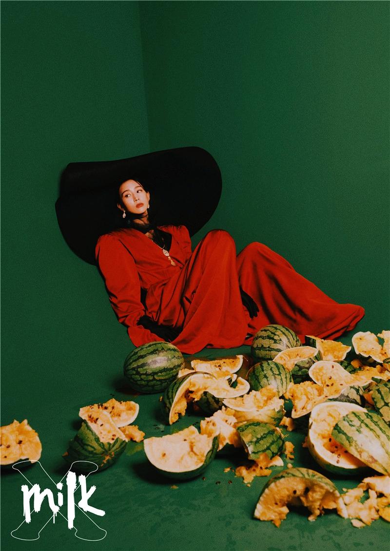 Чжан Цзюньнин в последних фото
