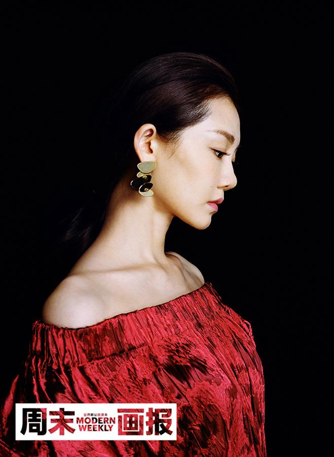 Кинозвезда Мяо Мяо украсила обложку модного журнала
