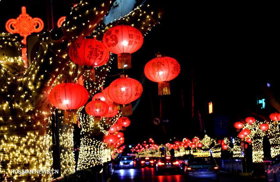 Новогодние китайские фонари украсили Чжэнчжоу