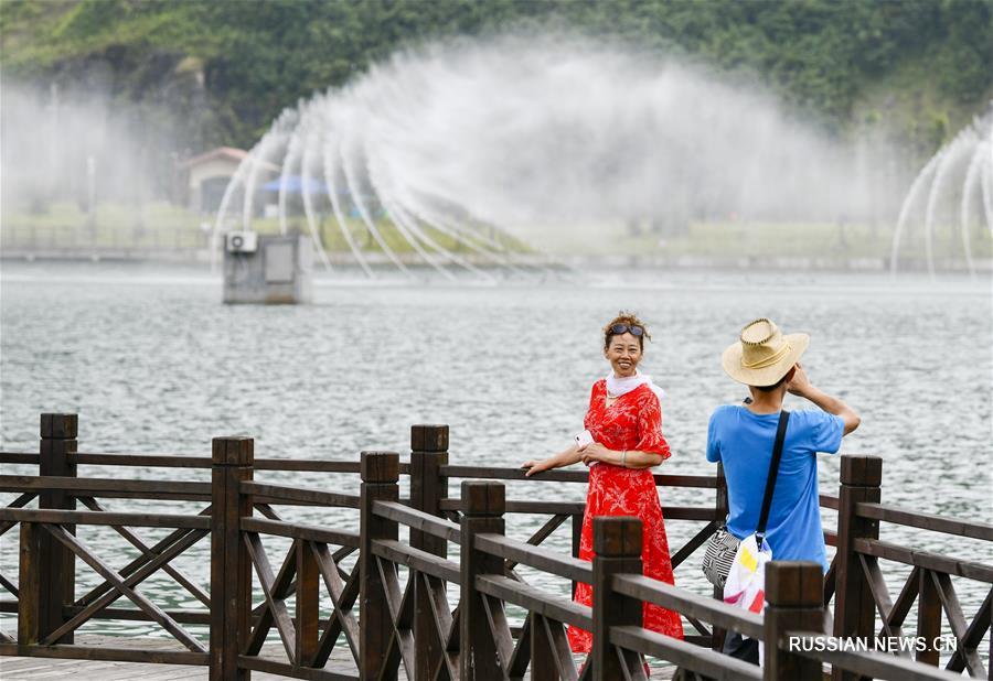 Ландшафтный парк Наньтяньху -- идеальное место для летнего отдыха