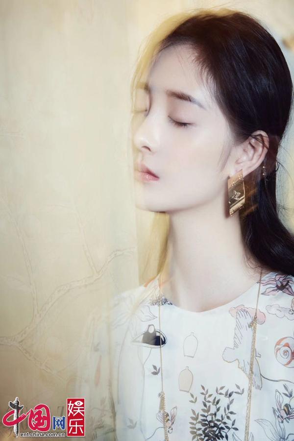 Новые фотографии красавицы Чжоу Цзецюн