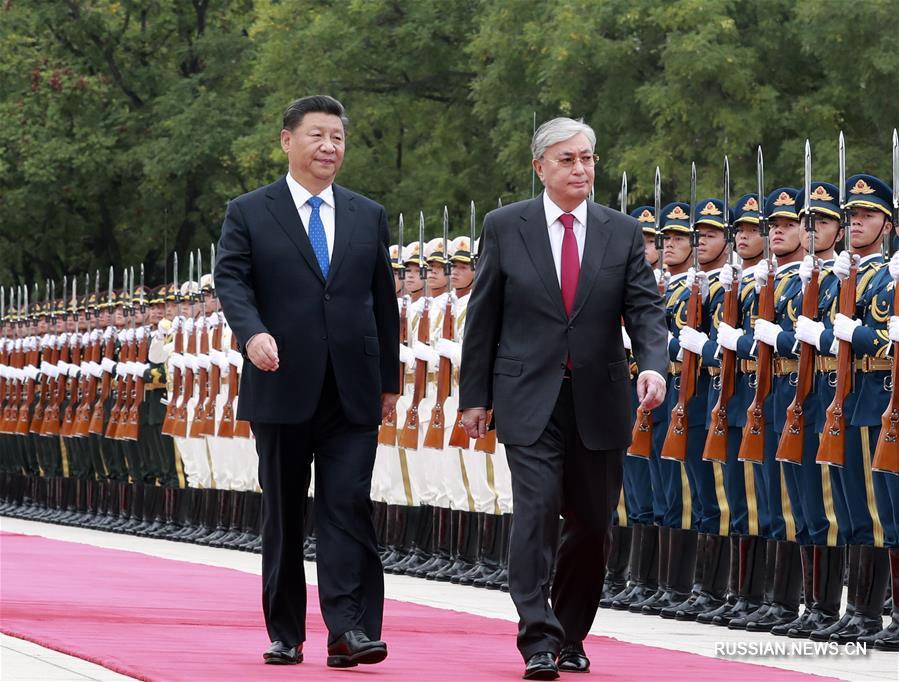 Си Цзиньпин провел переговоры с президентом Казахстана К.-Ж. Токаевым