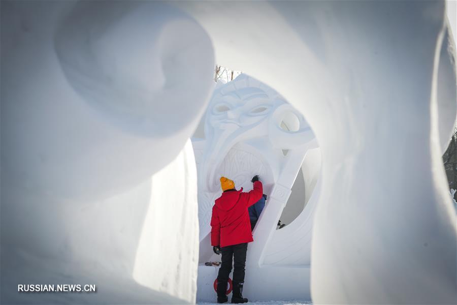 25-й Харбинский международный конкурс снежной скульптуры завершился сегодня на острове Тайяндао в Харбине /провинция Хэйлунцзян, Северо-Восточный Китай/. Участие в состязаниях приняли 25 команд из 10 стран и районов мира.