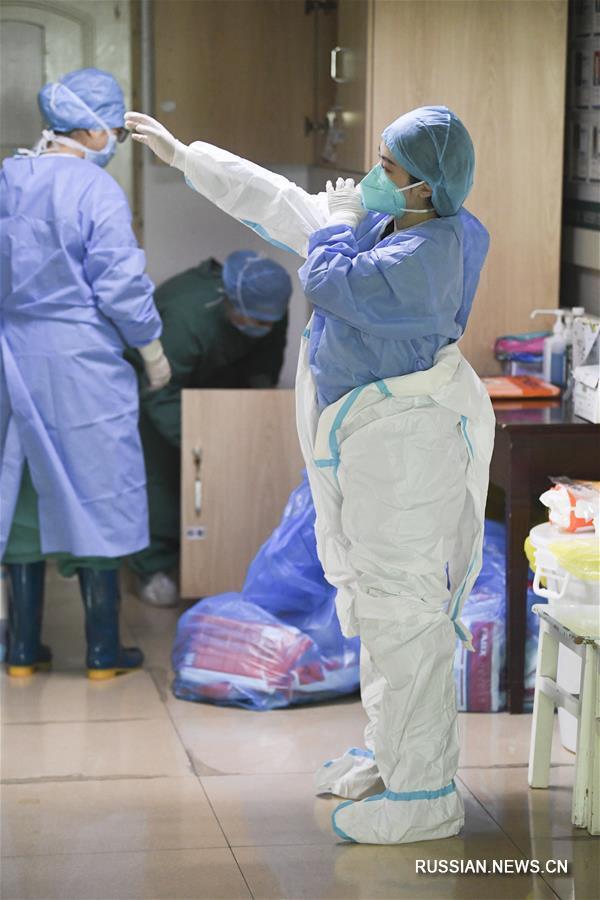 На переднем крае борьбы с эпидемией: врач Хуан Ся из Чунцина
