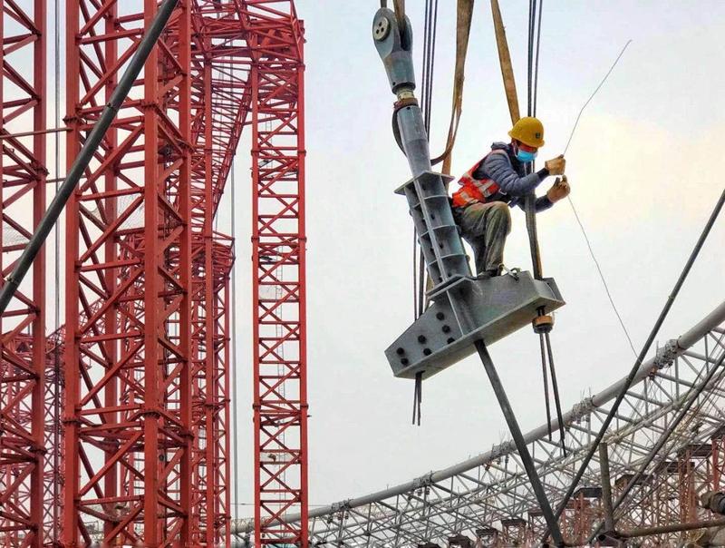 На фото: строительная площадка проекта спортивного парка Фэнхуаншань после возобновления строительных работ.