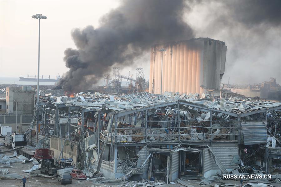 Мощные взрывы прогремели в Бейруте
