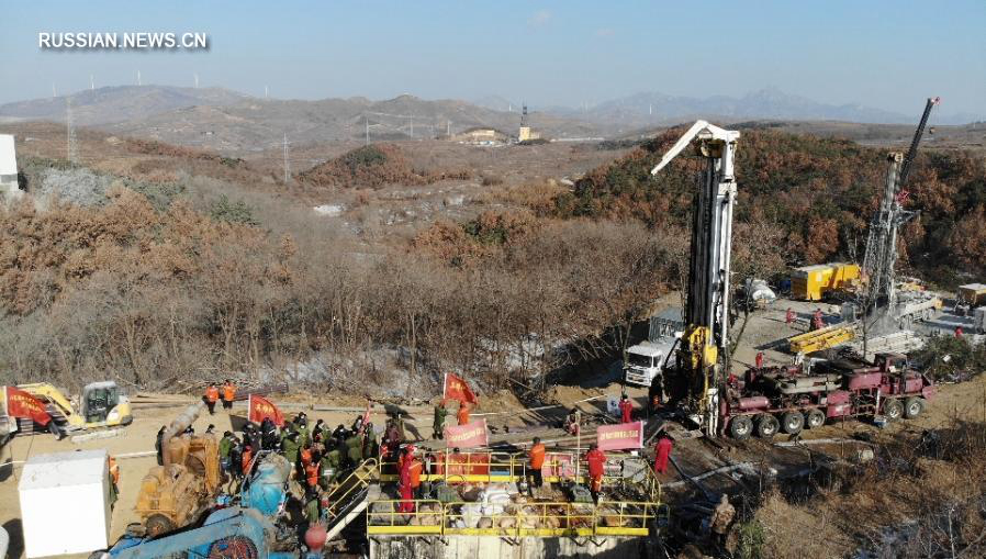Признаки жизни обнаружены под завалами на золотодобывающей шахте через неделю после взрыва