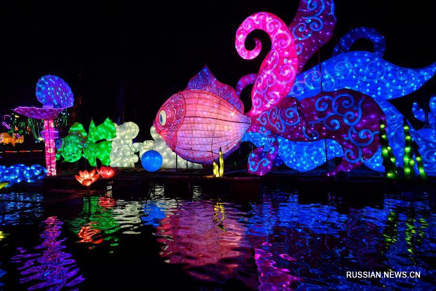 Новогодние композиции из цветных фонарей в деревне Цзяцзячжуан