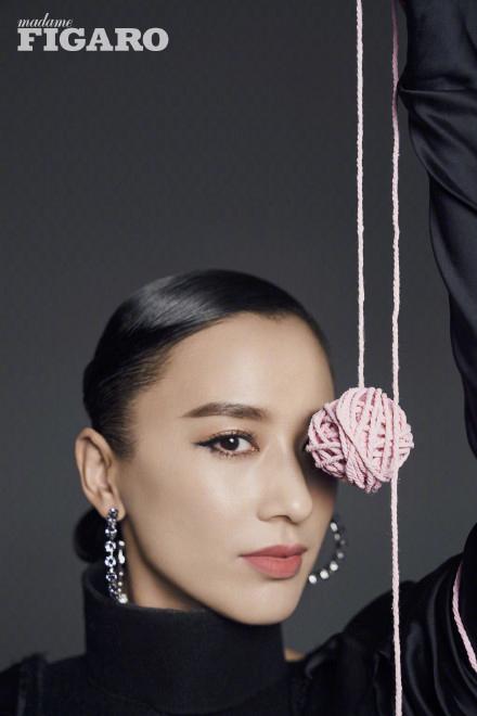 Звезда Хуан Шэньи позирует для модного журнала
