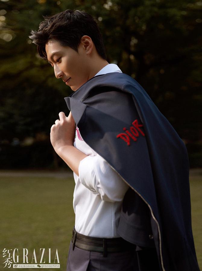 Звездная пара Доу Сяо и Хэ Чаолянь попали на обложку модного журнала