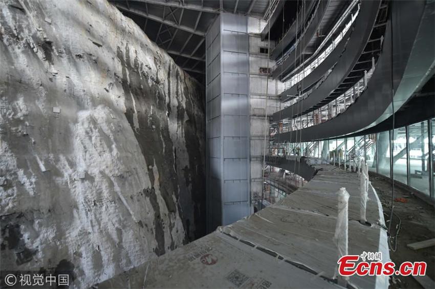 Hotel de lujo dentro de una cantera en Shanghai