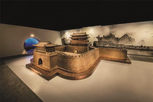 Mini-replica of Beijing's old city walls [Photo/Courtesy of China Red Sandalwood Museum]