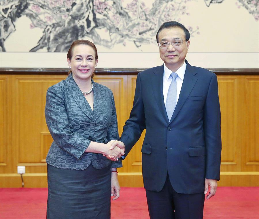 Chinese Premier Li Keqiang (R) meets with United Nations General Assembly (UNGA) president-elect Maria Fernanda Espinosa Garces in Beidaihe, north China's Hebei Province, Aug. 8, 2018. [Photo/Xinhua]