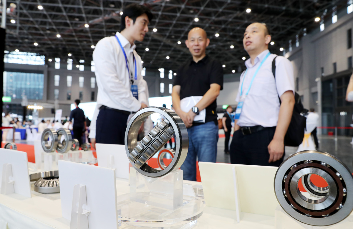 Bearings products on display during a matchmaking meeting for exhibitors and buyers in Shanghai on Wednesday, an event in preparation for the upcoming China International Import Expo in November. [Photo/Xinhua]