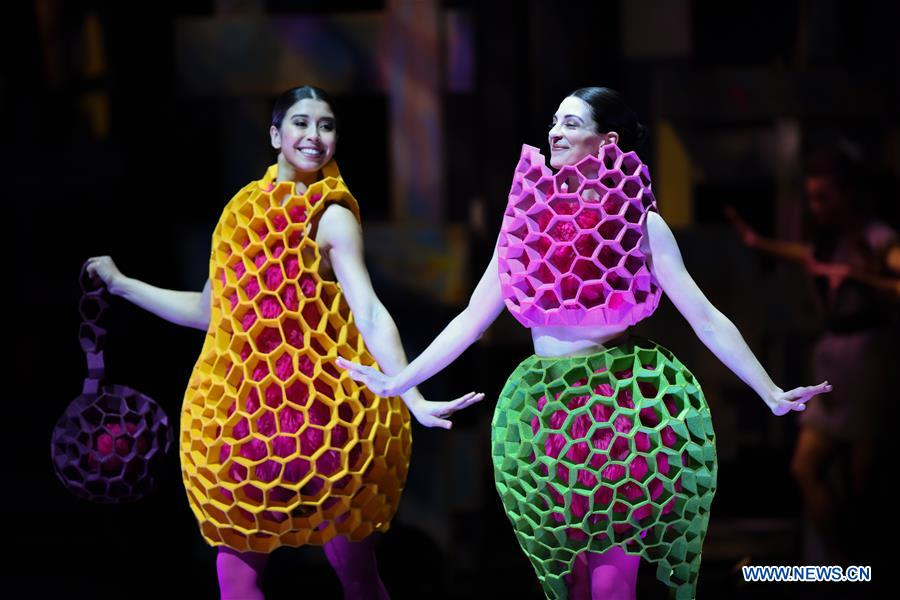 Creations Presented During Show Of World Of Wearable Art In New Zealand China Org Cn
