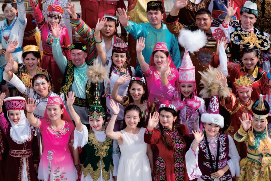 Glimpses of life of people from various ethnic groups in Xinjiang (III)